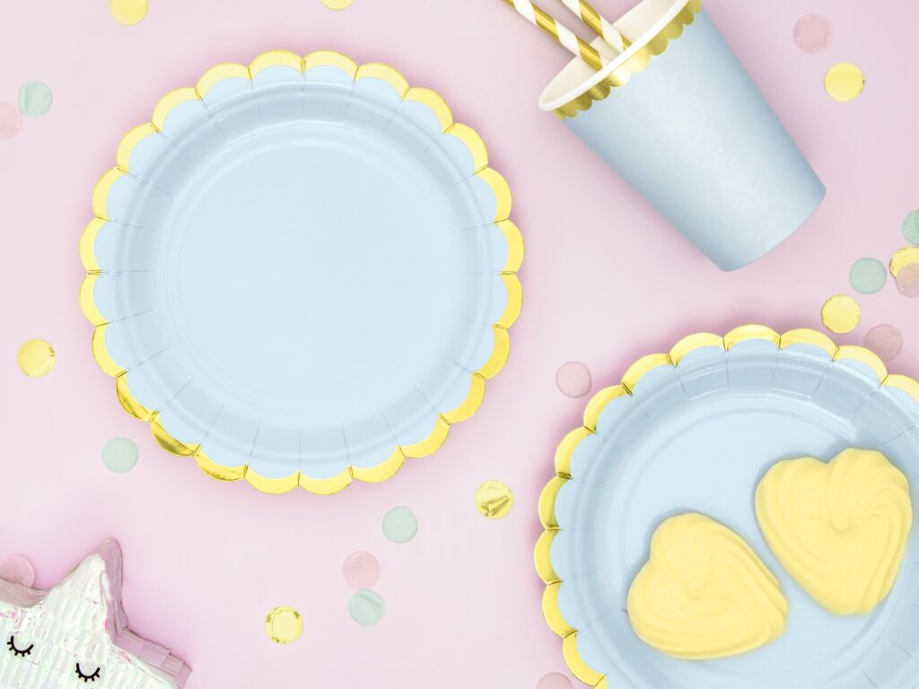Χάρτινα Πιάτα Γαλάζιο με Χρυσό 18εκ – 6 Τεμάχια