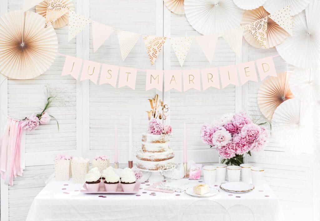 Χάρτινη Γιρλάντα Just Married Ροζ