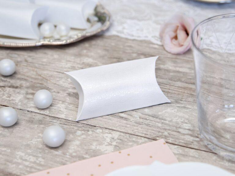 Χάρτινα Κουτάκια Λευκά με Περλέ Σχέδια – 10 Τεμάχια
