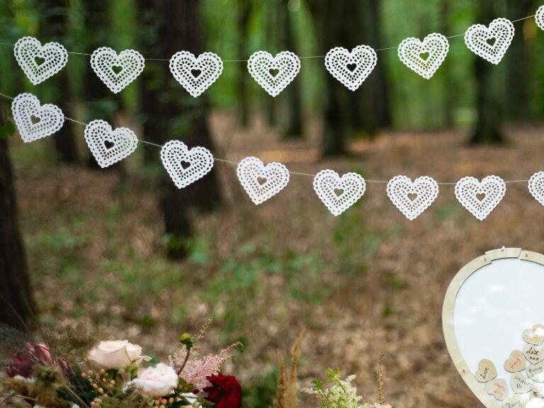 Χάρτινη Γιρλάντα Λευκές Rustic Καρδούλες