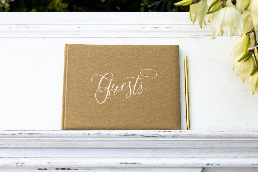 Ευχολόγιο – Βιβλίο Ευχών Γάμου Guests Κραφτ