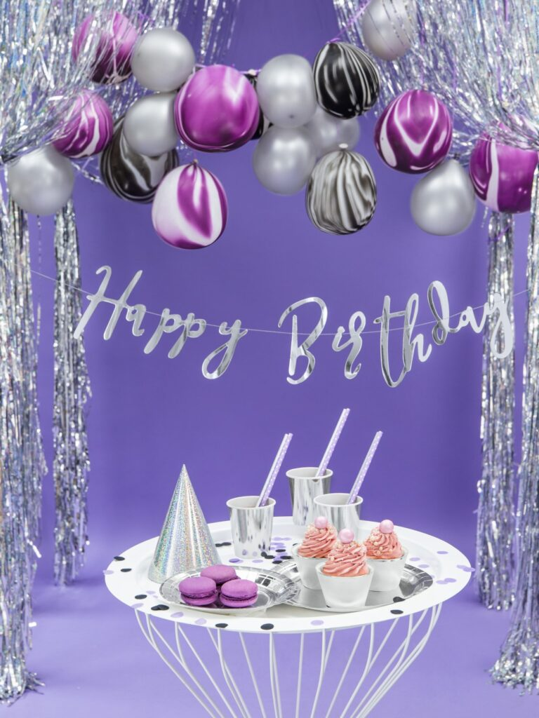 Χάρτινη Γιρλάντα Happy Birthday Ασημί