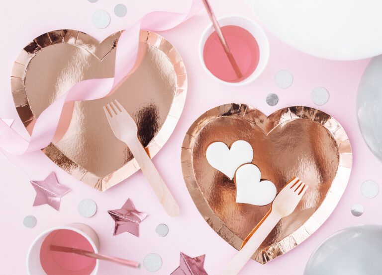 Χάρτινα Πιάτα Καρδιά 21×19εκ – 6 Τεμάχια