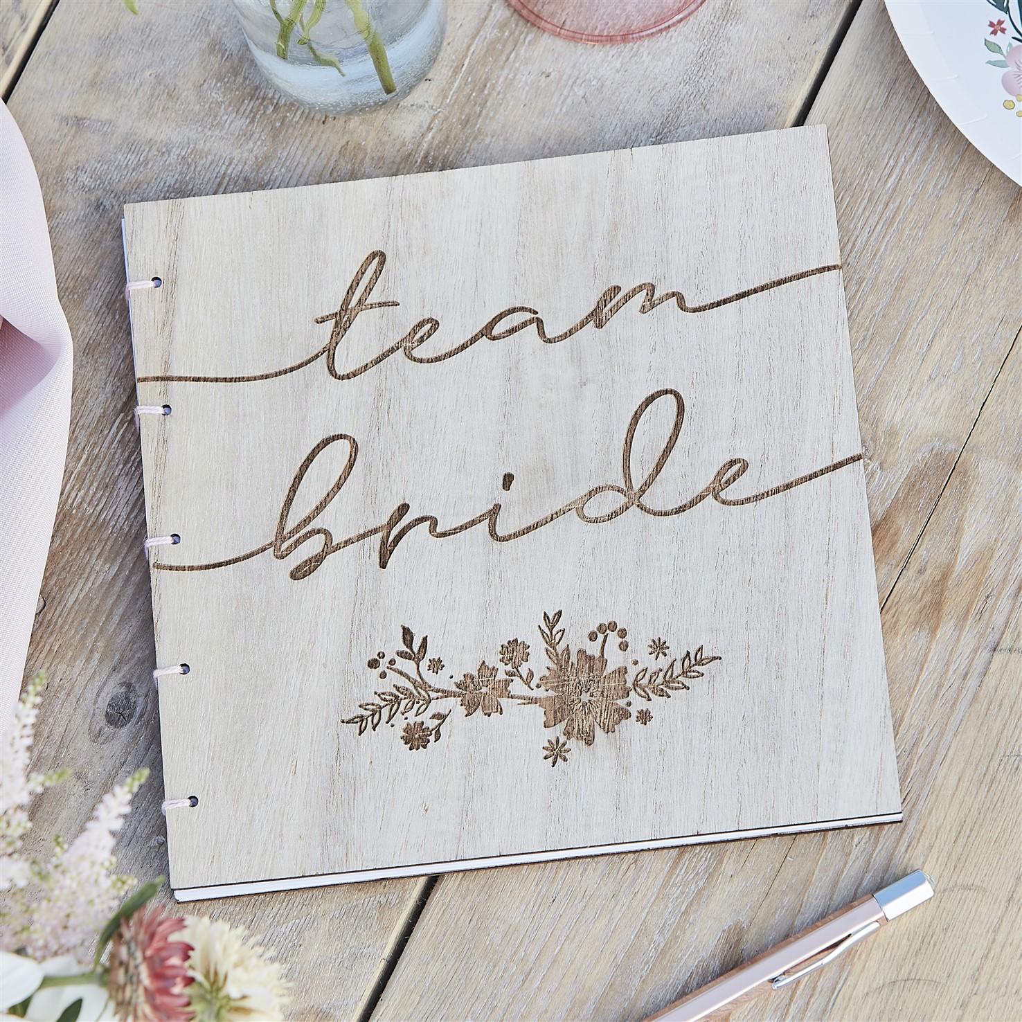 Ευχολόγιο Ξύλινο Team Bride