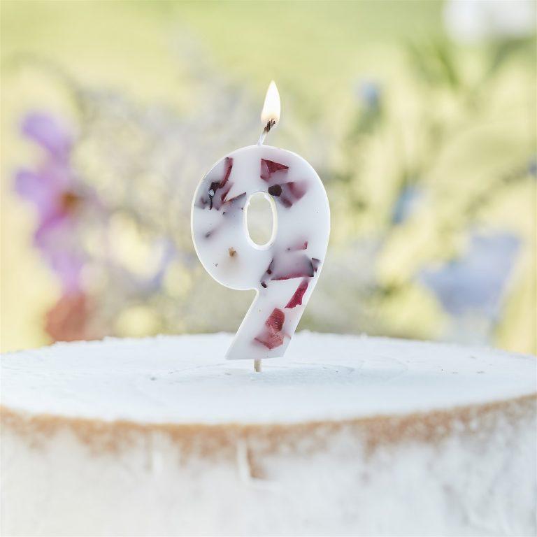 Κεράκι Αριθμός 9 Λευκό με Πέταλα Λουλουδιών